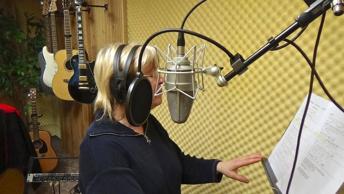 Hörproben, Mirella Sängerin